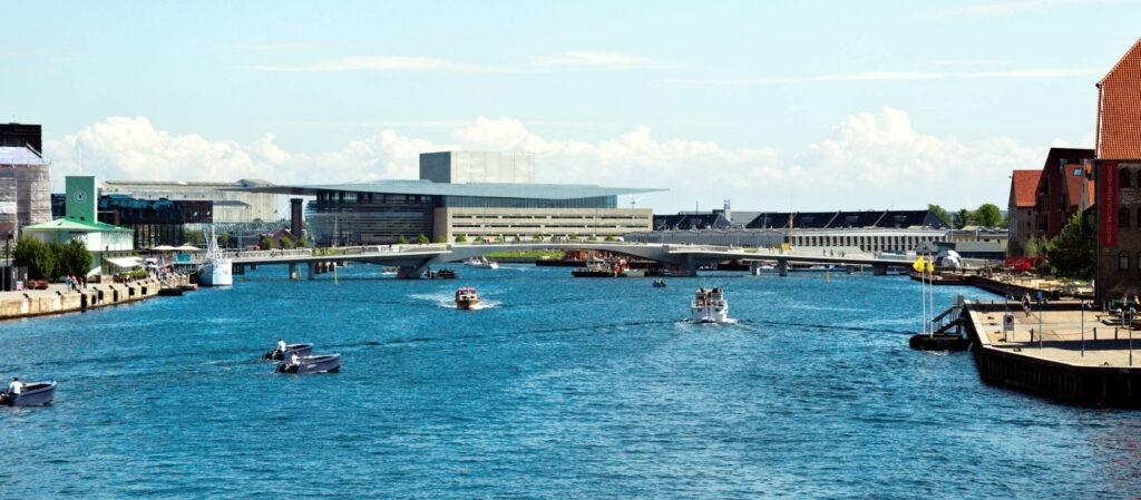 beCopenhagen waterfront architecture boat tour