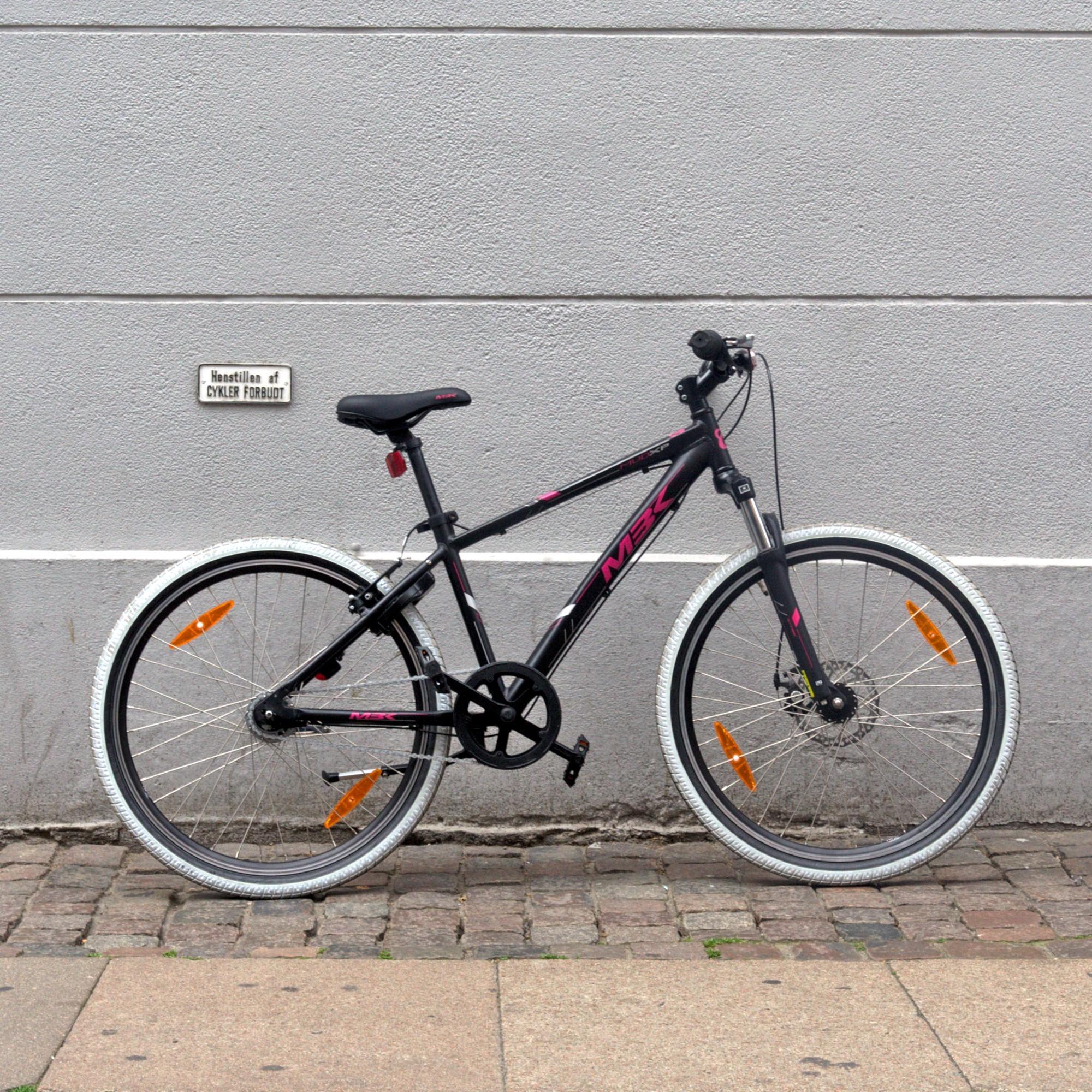 Rent a kids bike / junior bike in Copenhagen | Helmet